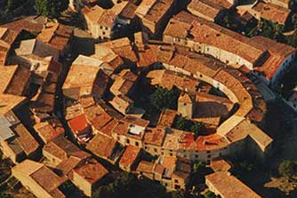 AIGNE - Circular village built in 1000